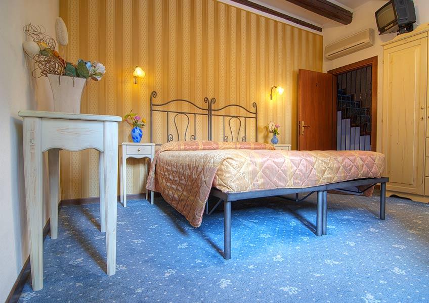 hotelalsoffiadorgalery-44