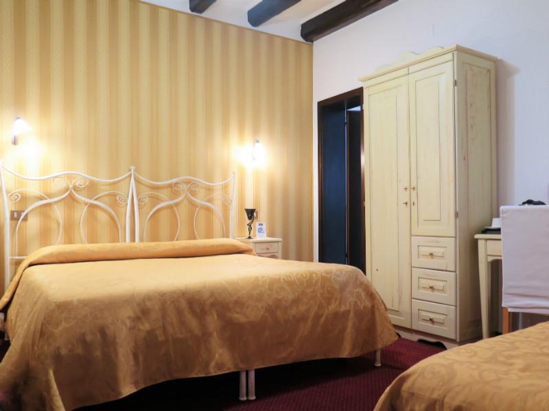 Al Soffiador-familia-hotel-murano